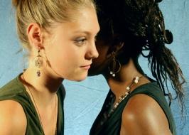 Deux filles bijoux